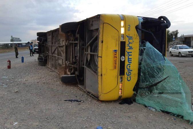 تعداد مصدومان واژگونی اتوبوس ایلام در گرمسار به ۳۵ نفر رسید